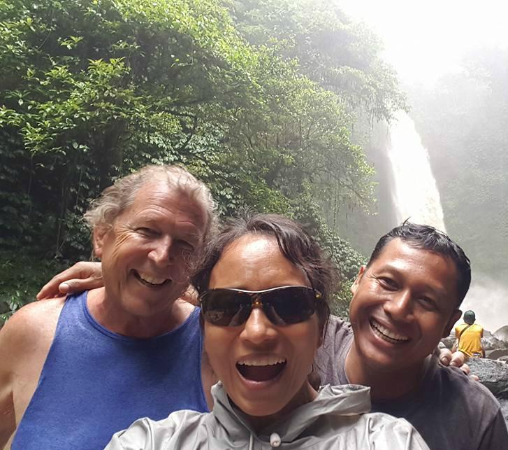 nunung-waterfall-with-gudug-ketut
